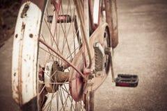 老自行车葡萄酒 免版税库存图片
