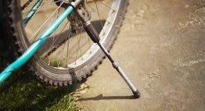 老自行车详细资料 图库摄影