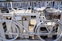 老自行车 库存照片