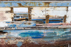 老船在豪迈特苏格,突尼斯,一条老木小船的r estoration 库存图片