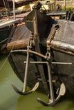 老船的船锚 图库摄影