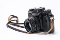 老苏维埃Zenit TLL 35 mm在与他的白色隔绝的影片照相机 库存照片
