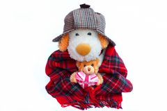 老英国人和玩具熊与伦敦爱心脏 库存图片