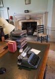 老英国办公室内部  老庭院教育中心 库存图片