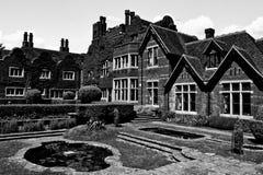 老英国房子 免版税图库摄影
