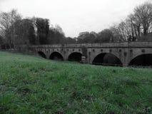 老英国桥梁 免版税库存照片