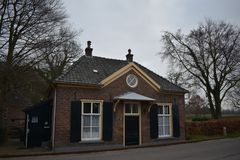 老荷兰大厦在小村庄 库存照片