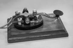 老莫尔斯电报键通信机 库存照片