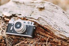 老葡萄酒小型格式测距仪照相机, 1950 20世纪60年代 免版税图库摄影