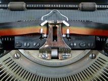 老葡萄酒德国人打字机细节有红色和黑丝带的 免版税库存照片