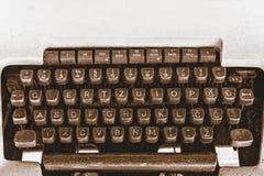 老葡萄酒控制台打字机键盘 库存图片