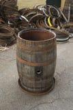 老葡萄酒桶 库存照片