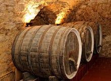 老葡萄酒桶 免版税库存图片