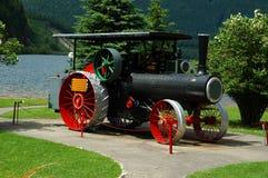 老蒸汽拖拉机 库存照片