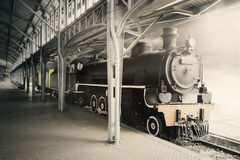 老蒸汽机车在博物馆 库存图片
