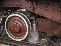 老蒸汽火车的无盖货车的细节 免版税库存图片