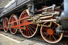 老蒸汽火车,轮子 免版税库存图片