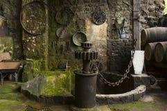 老蒸馏器 免版税图库摄影