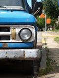 老蓝色汽车 库存图片
