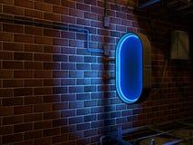 老蓝色霓虹灯广告在砖墙上的市区 免版税图库摄影