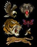 老虎、蜂、蝴蝶、老鹰、豹子和豹纺织品的刺绣补丁设计 库存照片