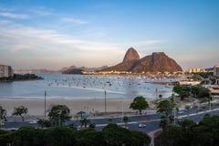 老虎山鸟瞰图和博塔福戈靠岸在瓜纳巴拉海湾-里约热内卢,巴西 库存图片