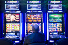 老虎机在赌博娱乐场 免版税库存图片