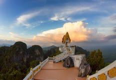 老虎洞寺庙,甲米府,泰国 免版税库存照片