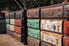 老行李盒在悉尼 免版税库存照片