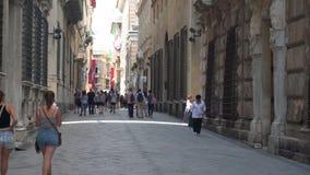 老街道在热那亚-放大 股票视频