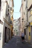 老街道在皮兰,斯洛文尼亚 免版税库存照片