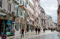老街道在科英布拉,葡萄牙街市  图库摄影