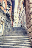 老街道在那不勒斯,意大利 免版税库存图片