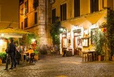 老街道在Trastevere在罗马 免版税库存图片