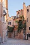 老街道威尼斯 库存照片