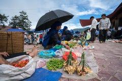 老街,越南- 2017年9月7日:在Y Ty,棒Xat区的地方市场 多数少数族裔人民去市场卖和b 库存图片