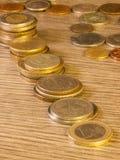 老被堆积的硬币 图库摄影