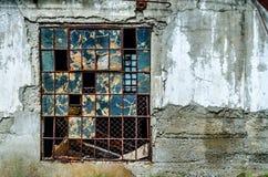 老被打碎的窗口 库存图片