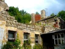 老被拆毁的房子 免版税库存照片