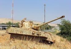 老被摧毁的坦克在以色列 库存图片