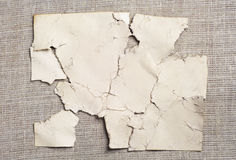 老被撕毁的纸张抽象背景  库存图片