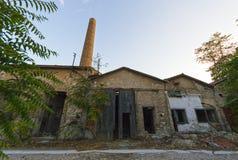 老被放弃的工厂,希腊 免版税库存图片