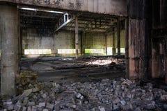老被放弃的工厂 免版税库存图片