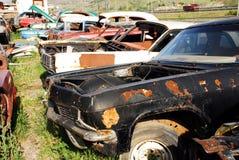 老被放弃的汽车 免版税库存照片
