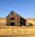 老被放弃的谷仓在爱达荷,美国的乡下 库存图片