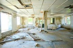 老被破坏的大厦 免版税库存照片