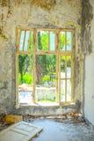 老被破坏的大厦 库存图片