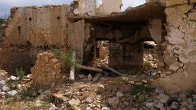 老被破坏的房子withut墙壁 股票录像