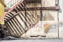 老被绘的墙壁在围场 库存照片