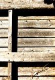 老被风化的木板台 免版税库存图片